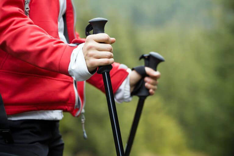 Nordic Walking. Jak rozpocząć spacer z kijkami po zdrowie?
